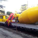 Pianale ferroviario con betoniera
